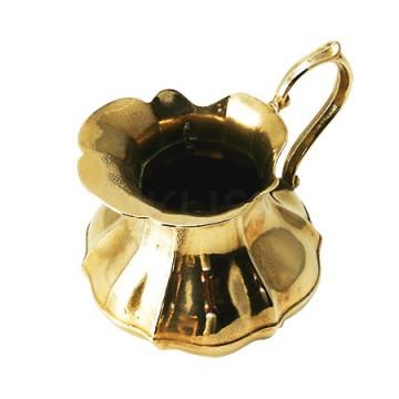 ゴージャスで存在感のある真鍮製 花瓶