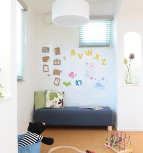 子供部屋にマグネットパネル施工例